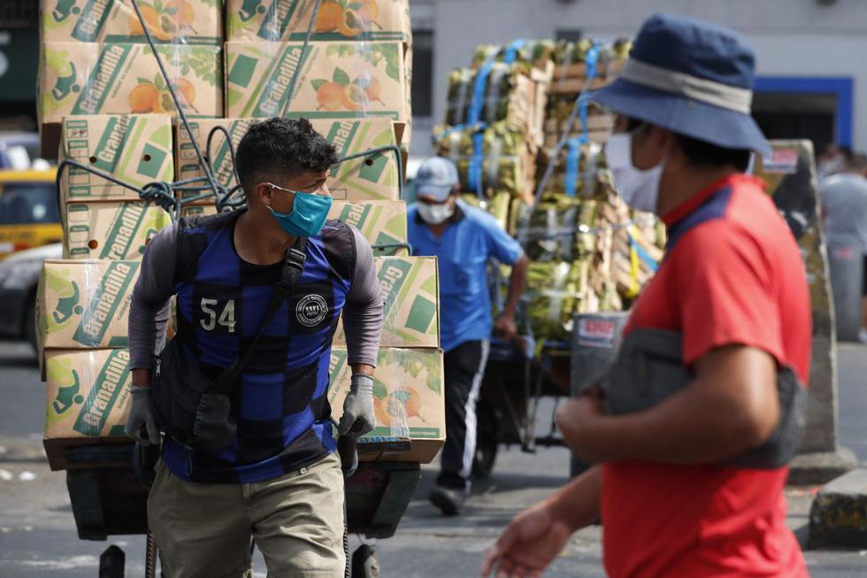 El Bono Familiar Universal es el conjunto de bonos anunciados por el Gobierno peruano para ayudar a las familias más afectadas por la cuarentena (Foto: EFE)