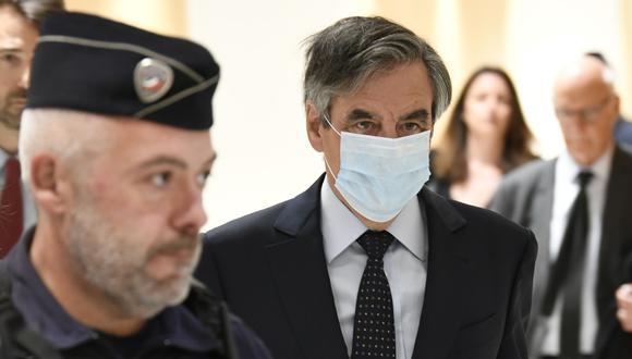 El exprimer ministro de Francia Francois Fillon a su llegada a un tribunal de París. (Foto: Bertrand GUAY / AFP).