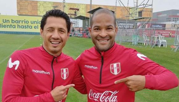 Rodríguez y Lapadula tras entrenar juntos con la selección peruana. (Foto: Twitter @arodriguez_02)