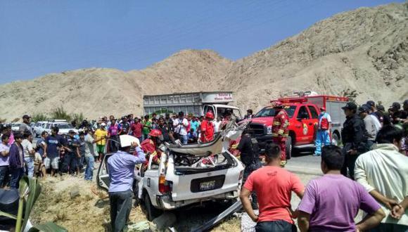 Seis personas fallecieron en accidente vehicular en Huacho
