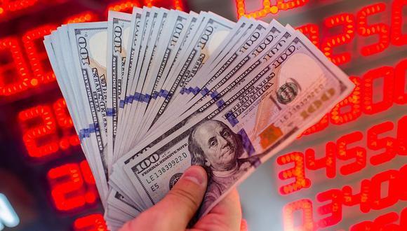 Hoy el dólar se negociaba por encima de 4.1 millones de bolívares soberanos en Venezuela. (Foto: AFP)