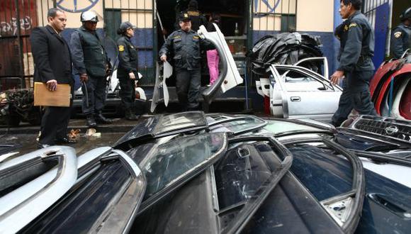 Robo de vehículos es más alto en Los Olivos y Chorrillos