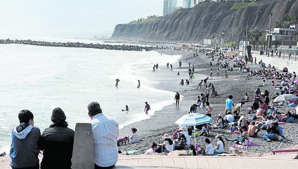 En las últimas semanas, las playas de Miraflores, Chorrillos y Barranco han recibido una mayor afluencia de público (Foto: Leandro Britto/GEC)