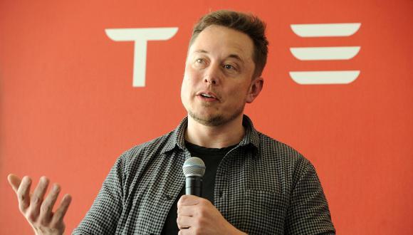 Musk, de 49 años, tiene alrededor del 20% de los títulos de la compañía de vehículos eléctricos. Bezos ha sido la persona más rica del mundo durante los tres últimos años, según el ránking de Forbes. (Fotos: Difusión)