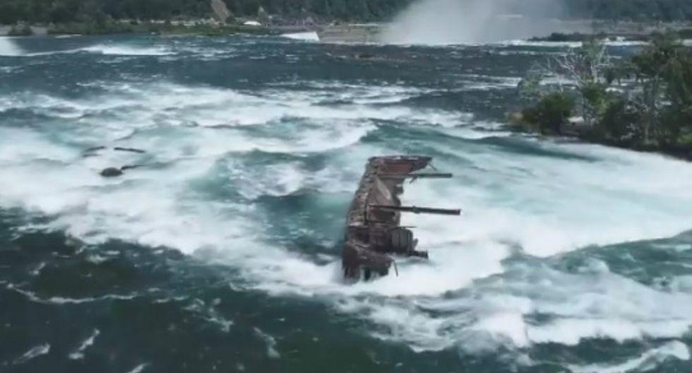 El buque, conocido como Iron Scow, ha vuelto a aparecer en las Cataratas del Niágara dejando asombrados a los trabajadores del parque nacional.(Foto: Captura)