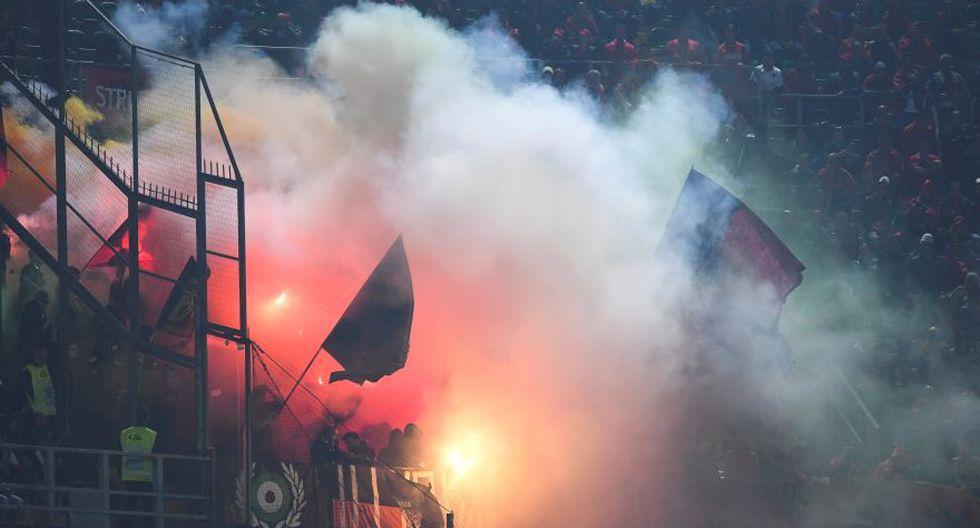 Italia-Albania vivió tenso momento por lanzamiento de bengalas - 1