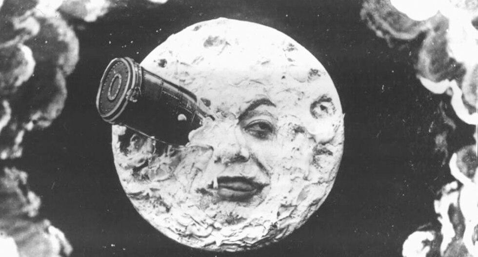 """A la Luna se viajó en la película de Méliès """"Viaje a la Luna"""", de 1901."""