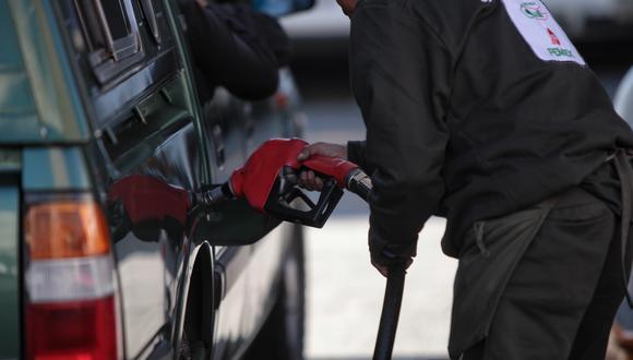 La escasez de gasolina ha provocado el incremento del precio de este combustible en varias ciudades de México. (Foto: EFE)