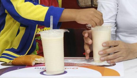 Qali Warma prohíbe el uso de leche modificada, edulcorantes, grasa de origen vegetal o proteínas de soya.