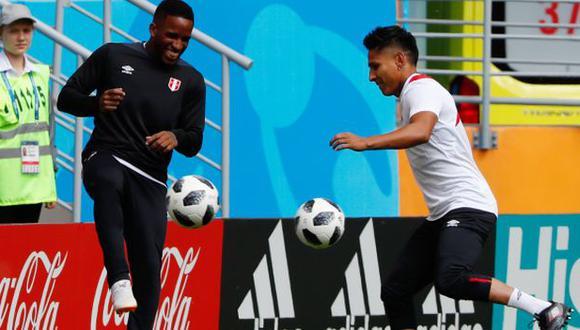 Raúl Ruidíaz y Jefferson Farfán integraron la selección peruana que jugó el Mundial Rusia 2018. (Foto: AFP)