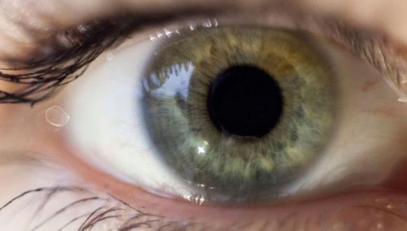 La prueba rastrea los movimientos oculares cuando los participantes observan imágenes de caras conocidas. (Foto: Getty Images)