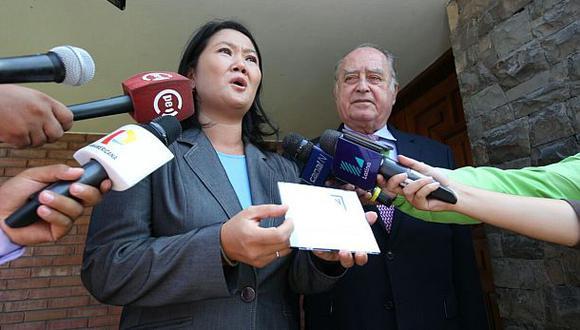 Keiko Fujimori recibe plan de gobierno de Ántero Flores-Aráoz