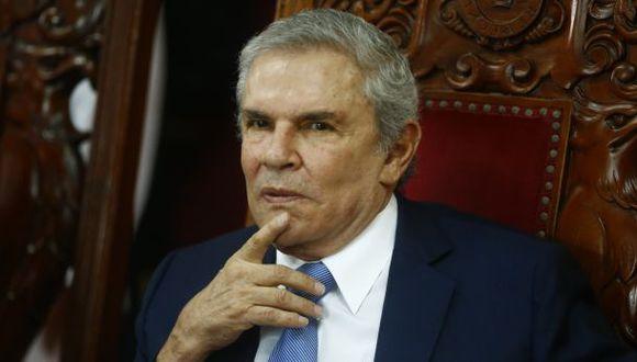Una vez que Reniec valide las firmas, Luis Castañeda Lossio tiene 60 días para responder el cuestionario. (El Comercio)