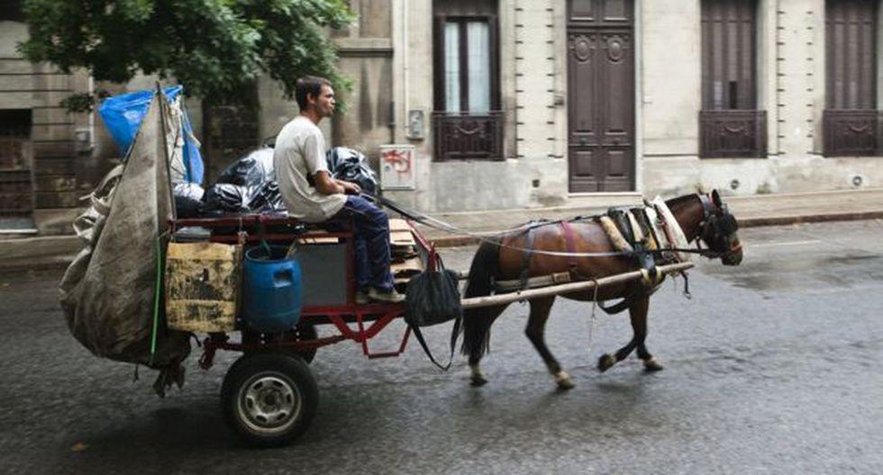 """""""Por fuera sigue habiendo un imagen un poco idílica de un país de las maravillas"""", dice Ponce de León. La realidad es más compleja. (Foto: AFP, vía BBC Mundo)."""