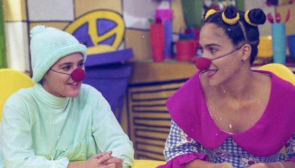 """Monserrat Brugué y Wendy Ramos, durante las grabaciones de """"Pataclaun""""."""
