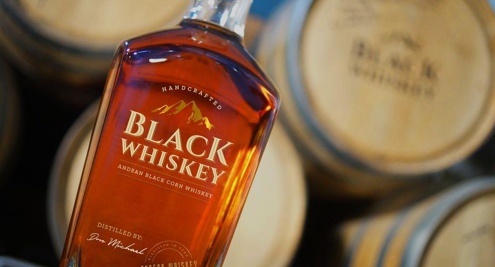 Black Whiskey de destilería Don Michael coge cuerpo en barricas de roble blanco. (Fotos: Black Whiskey)