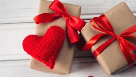 Comprarle un regalo a la pareja parece ser parte vital para las personas en San Valentín. (Foto: AZ adsl zone)