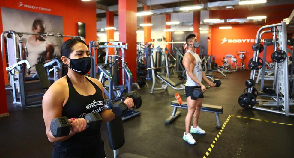 La cadena de gimnasio Bodytech implementó sus protocolos de bioseguridad para proteger tanto a los trabajadores y usuarios del servicio de contraer el nuevo coronavirus. (Foto: Hugo Curotto/GEC)