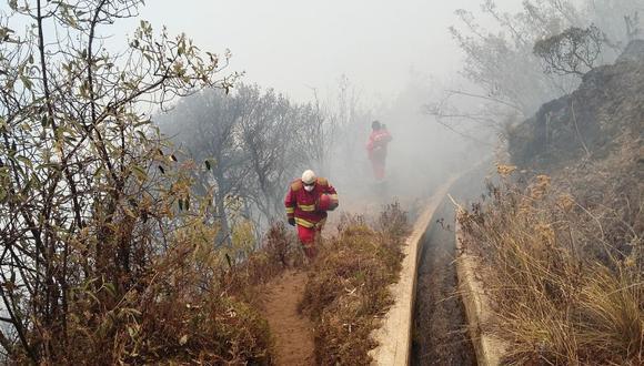 Continúan incendios forestales en cuatro regiones