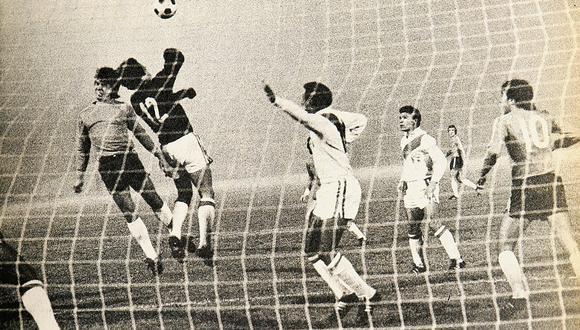 Así defendió Perú esa noche en Santiago. (Foto: Revista Estadio de Chile)
