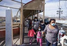 """""""Grandes flujos de migrantes en frontera"""" con México, dice alto funcionario de EE.UU."""