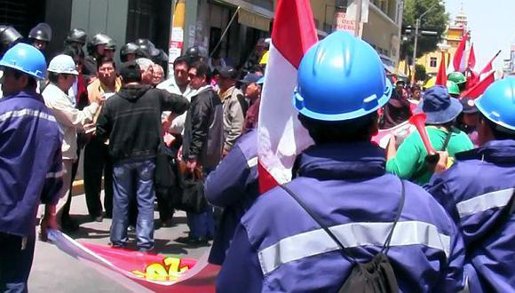 Obreros de Shougang Hierro Perú iniciaron huelga indefinida