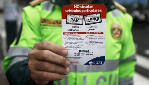 El plan piloto de 'pico y placa' se realiza en dos horarios de lunes a jueves. La restricción vehicular por número de matricula busca reducir la congestión en los principales ejes viales de Lima. (Foto: César Campos)
