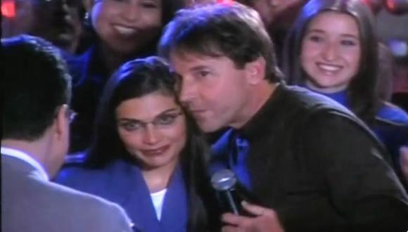 """Ricardo Montaner le canta """"Bésame"""" a Betty a pedido de don Armando (Foto: RCN)"""