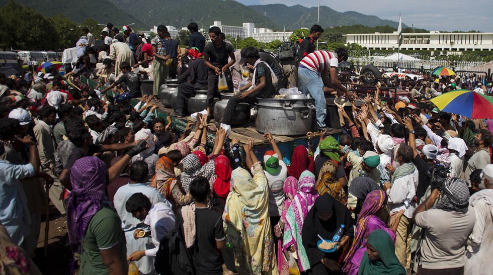 Pakistán está al borde del estallido por crisis política - 16