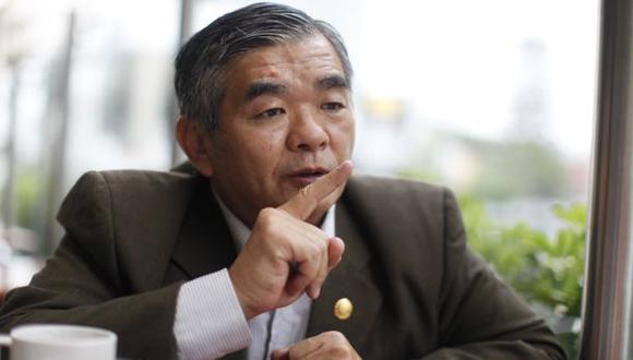 Marco Miyashiro justifica cierre del Congreso en 1992