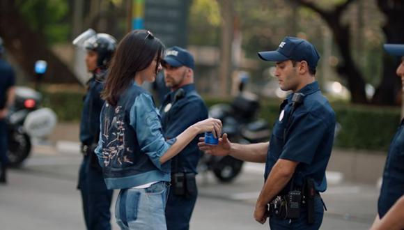 Pepsi retiró spot con Kendall Jenner luego de polémica [VIDEO]
