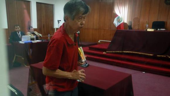 Alberto Fujimori tiene una fuerte faringitis, según su abogado