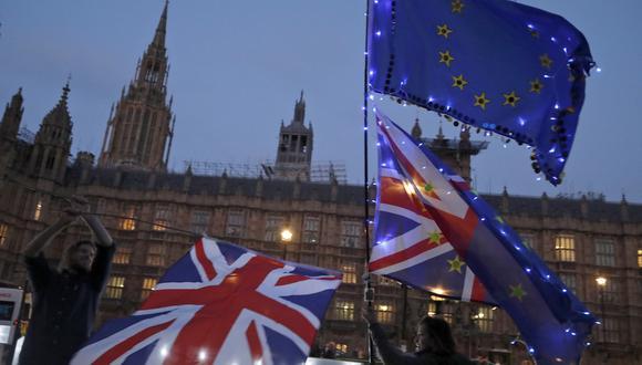 ¿Renunciará Theresa May por el Brexit? (Foto: AP)
