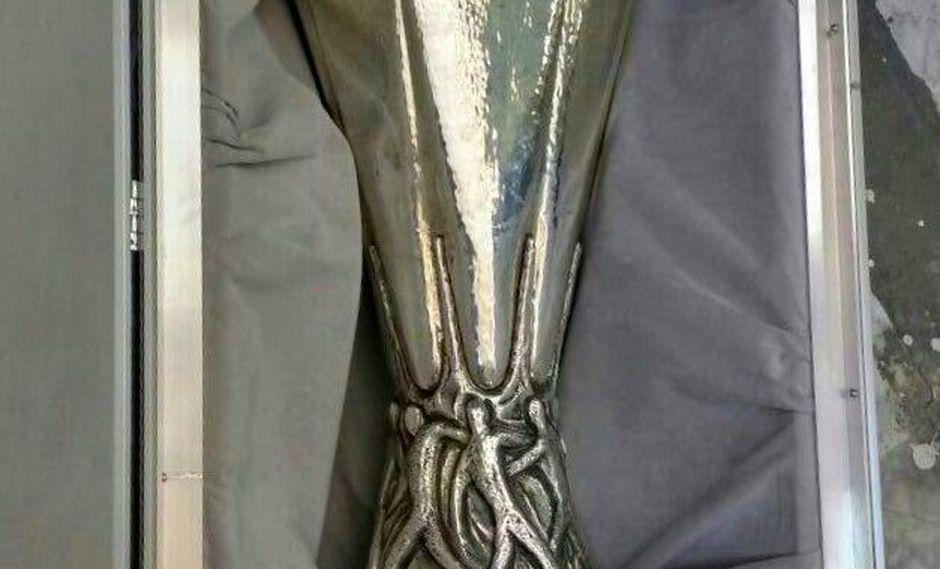 El trofeo de la Europa League fue robado y recuperado en Guanajuato por la Agencia de Investigación Criminal del lugar (Foto: PJGJ)