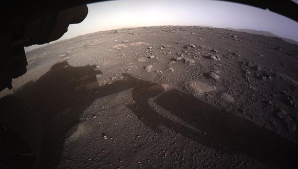 Primera imagen en color desde la superficie de Marte enviada por Perseverance - (NASA/JPL)
