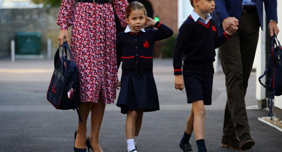 Charlotte, de cuatro años, acude a la Thomas Battersea, la misma escuela privada en el sur de Londres en la que también estudia su hermano mayor, el príncipe Jorge, de seis años. (AFP)
