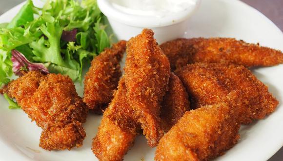 Los clásicos fingers de pollo frito son muy ricos y fáciles de preparar. (Foto: pexels)