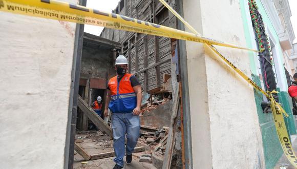Personal de Prolima continúa con el trabajo de remodelación de la casona del jirón Huanta. (Foto: Andina)