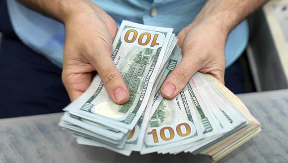 En el mercado paralelo o casas de cambio de Lima, el tipo de cambio se cotizaba a S/3,605 la compra y S/3,630 la venta. (Foto: AFP)