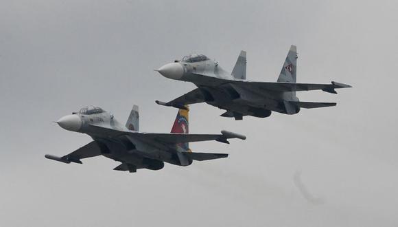 El informe policial guyanés apunta que dos aviones de combate venezolanos entraron en el espacio aéreo de Guyana cuando sobrevolaron la estación de Policía de Eteringbang y la base de la Fuerza de Defensa de Guyana (GDF, en inglés) antes de volver a territorio de su país. (Foto: FEDERICO PARRA / AFP).