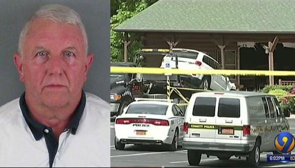 Estrelló su carro contra un restaurante y mató a su hija y a su nuera. (AP).