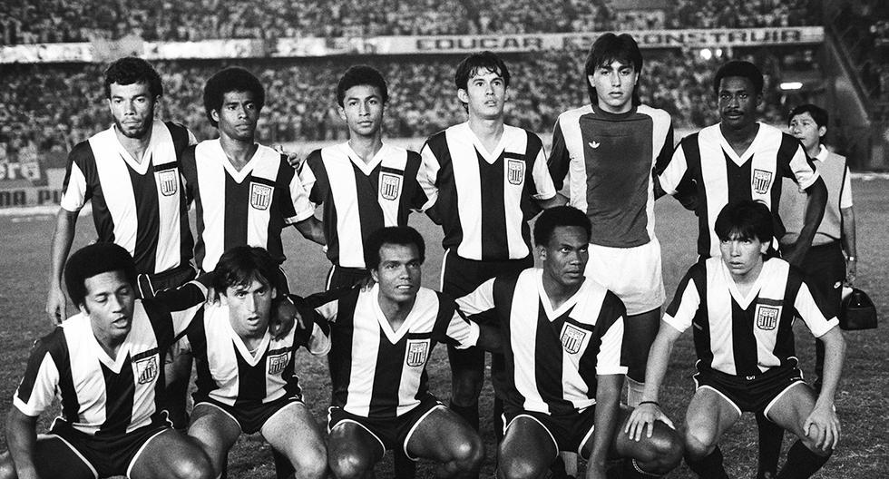 Último partido de Teófilo Cubillas en Alianza Lima. Postal de 1988. Foto: GEC Archivo Histórico