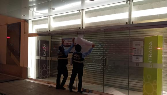 El local fue multado con una papeleta de 1 UIT, equivalente a S/4.400 soles. (Foto: Municipalidad de Miraflores)