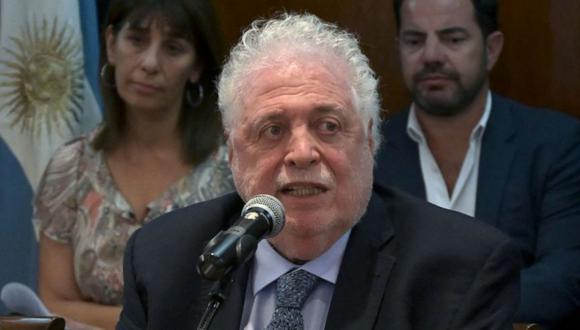 El ahora, exministro de Salud de Argentina, Ginés González García durante una conferencia de prensa en Buenos Aires en la que confirmó el primer caso de el nuevo coronavirus, COVID-19, en el país. (Foto: Archivo/ AFP / Juan MABROMATA).