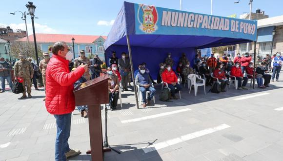Primer ministro, Walter Martos, llegó a Puno acompañado de varios ministros lanzó mensaje de unión a las autoridades de la región (Foto: Andina)