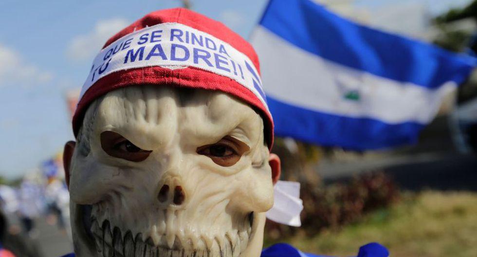"""La """"marcha azul y blanca"""" congregó a decenas de miles de personas en la principal carretera al sur de Managua, en demanda de libertad para decenas de """"presos políticos"""" de las protestas. (Foto: Reuters)"""