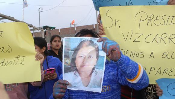 Ayer, el Mininter incluyó a la mujer acusada de violar a sus hijas en sistema de recompensas. (Foto: Laura Urbina)
