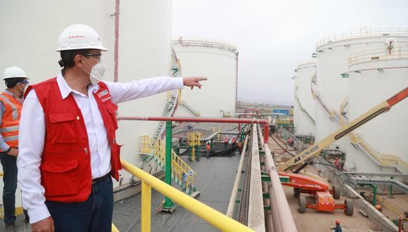 El titular del MTC, Carlos Estremadoyro, supervisó las obras de construcción del terminal Mollendo (Foto: MTC)