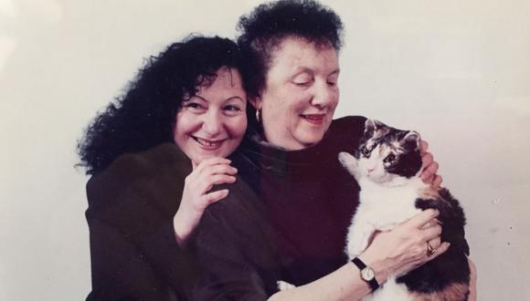 Scarlett fue adoptada por Karen Wellen en 1996. (Foto: Facebook)