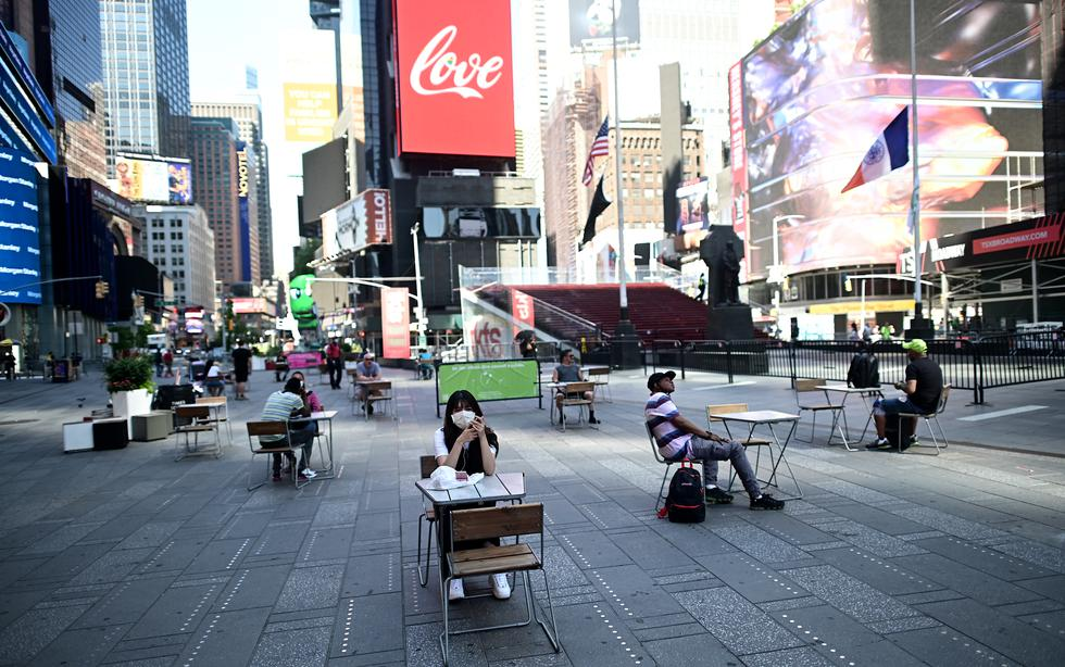 Nueva York reabre peluquerías y cafés mientras casos de COVID-19 trepan en otros estados de EE.UU. (Foto: Reuters)